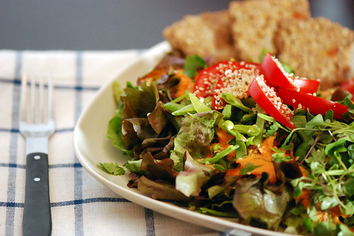 Green Salad with Creamy Red Pepper Dressing
