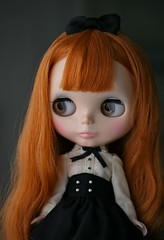 Birthday Girl (keyinherpocket - Parasol Doll) Tags: birthday doll present blythe dlg chuthings dearlelegirl