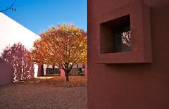 Pink Courtyard (wycombiensian) Tags: santafenewmexico fotonauts:gid=flickrz2dz2044071533