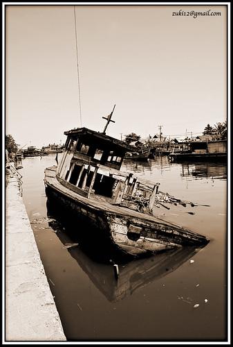 sinking ...