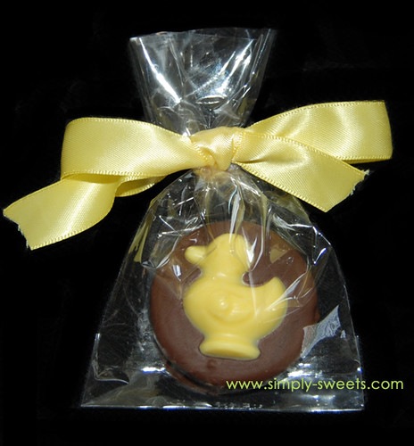 Yellow duck chocolate dipped oreo