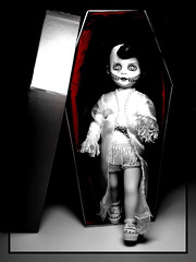 DaHLia - My LiViNG DeaD DoLL (SwEeTcHy) Tags: dahlia scary blood doll crime muñeca autopsy livingdeaddoll ataud goldenglobe bisection deadh
