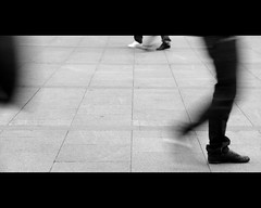 white & black (Dreamer7112) Tags: street bw motion feet lines walking foot shoe schweiz switzerland blackwhite nikon shoes europe suisse suiza zurich blurred explore trainstation zrich svizzera zuerich walkin inmotion stadelhofen d300 whiteblack zurigo bahnhofstadelhofen newacademy nikond300
