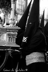 Cofrade del Silencio (Cesar Catalan) Tags: nikon maria religion zaragoza escultura cruz santos paso cristo virgen imagen silencio semanasanta dios procesion sanpablo bombo tambor catolico calvario d300 manto jesucristo procesin saeta catolicismo virgenmaria saragosse religin cofradia hermandad crucificado andas schmap costalero capirote cesaraugusta semanasantazaragoza cristodelaagona semanasantadezaragoza nikond300 salduba redobles salduie ciudaddezaragoza zaragozaespaa cesaraugustazara gozazaragozanosaldubasalduieschmapguia asociacionculturalredobles asociacionculturalredoblesdezaragoza