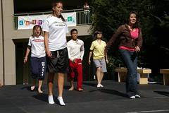 PZ20081020-013 (Menlo Photo Bank) Tags: ca girls people usa fall students dance arts steph quad event 2008 smallgroup atherton upperschool menloschool photobypetezivkov creativeartsweek