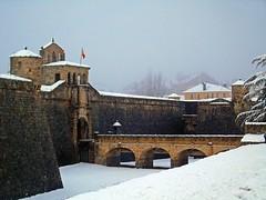Ciudadela de Jaca (Jaca, Huesca, España). (paulaaiglesiaas) Tags: ciudadela jaca pirineos nieve invierno winter snow