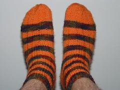 Oranssiraitaiset sukat