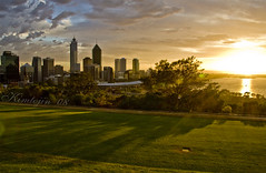 First light over Perth (kimtojin) Tags: city sunrise bravo perth kingspark swanriver greatphotographers colorphotoaward diamondclassphotographer kimtojin