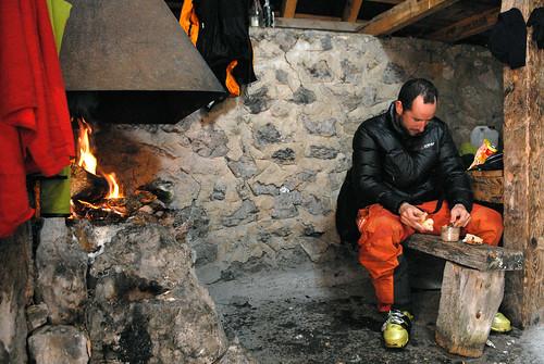 Cabane d'Ichéous, Péio déguste ses gratons