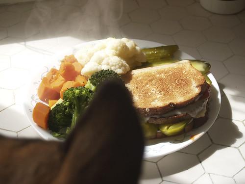 healthy pregnant food: black bean chili, avocados, yogurt, peach salsa