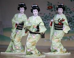 Geiko - Kyo Odori 2008 (geisha_lover) Tags: geiko geisha gion miyako odori kaburenjo