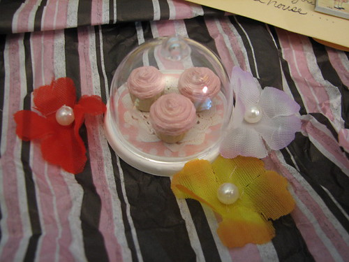 tiny cupcakes for the doll house