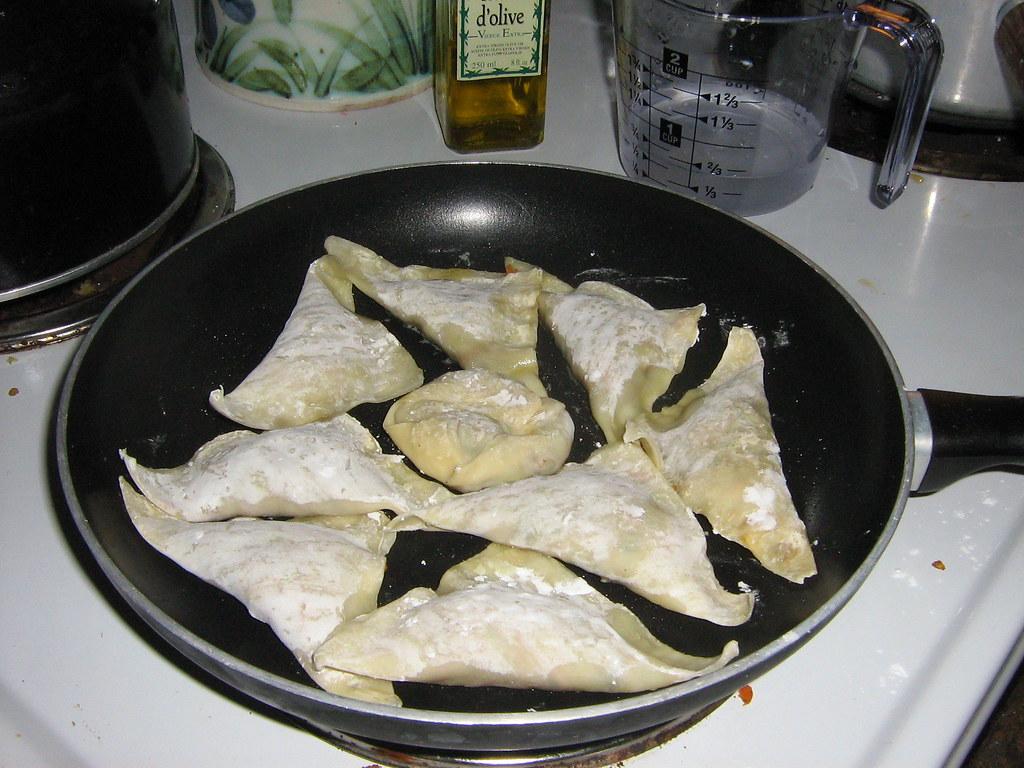 Wontons cooking