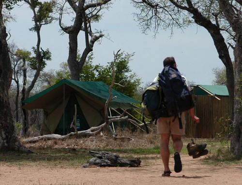 Kruger walking safari camp por Drive South Africa.