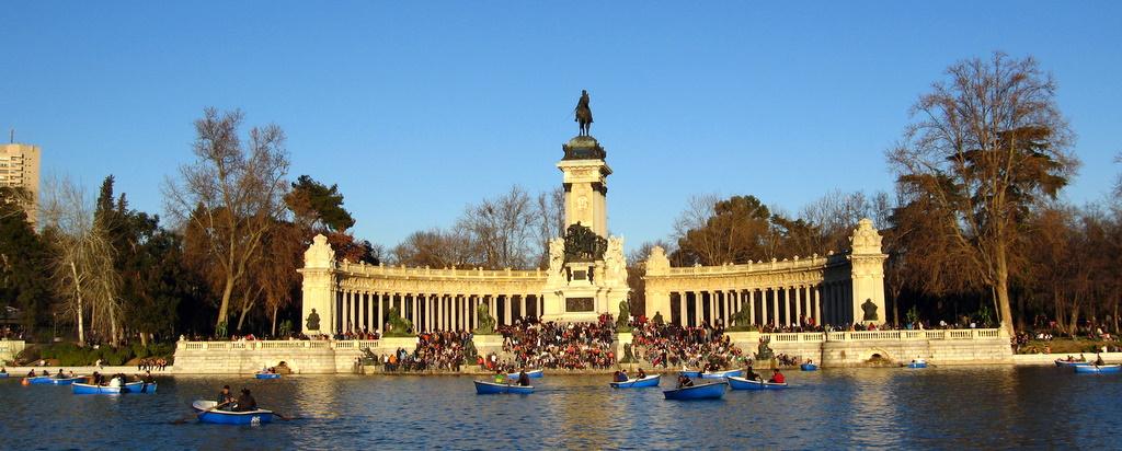 Parque del Buen Retiro - Estanque and Alfonso XII