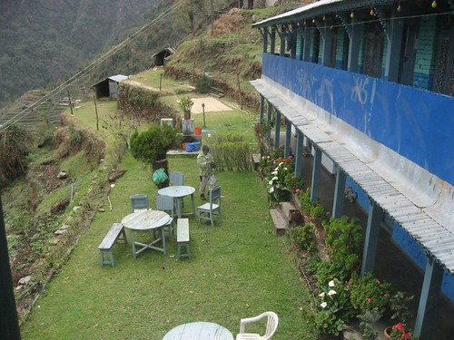 Courtyard of Sherpa Guest House in Sinuwa