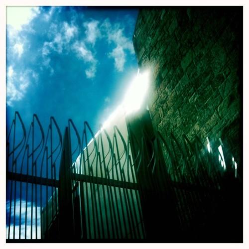 <span>edimburgo</span>Edimburgo - Parlamento<br><br>Un RARO raggio di sole!!!<p class='tag'>tag:<br/>viaggio | design | cultura | edimburgo | luoghi | </p>