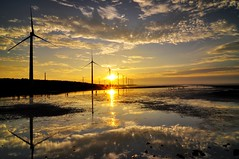 Double sunburst (Vincent_Ting) Tags: sunset sky nature water clouds nikon taiwan windmills  formosa  wetland  windturbines       formose