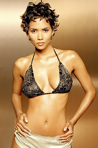 movie terrible touch halle shes insanely hot