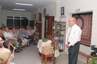 Alberto Brarda en la presentación del Libro y la Exposición Fotografica - Gentileza FOTO OLIVO