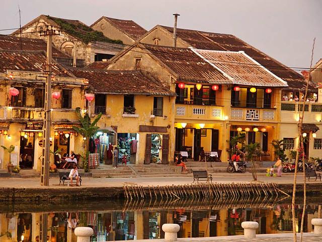 Hoi An Fairy Tale Atmosphere (Hoi An, Vietnam)