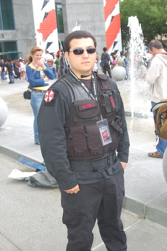 Outside Fanimecon 2008: Umbrella Corp cop