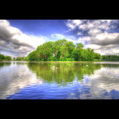Nature's eye (Dimitri Depaepe) Tags: park trees nature water smile clouds reflections bravo ducks bec oostende parc hdr firstquality rimples fpg aplusphoto megashot belgiebelgium theunforgettablepictures thegardenofzen thegoldendreams sonydt1118mm obq oraclex