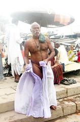 Tying Dhoti 1.9 (amiableguyforyou) Tags: india men up river underwear varanasi bathing dhoti oldmen ganges banaras benaras suriya uttarpradesh ritualbath hindus panche bathingghats ritualbathing langoti dhotar langota