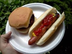 Hot dog and burger (Morton Fox) Tags: sewell nj washingtonlakepark gc2r4gy picnic food geocaching geocachingevent 15fav 510fav
