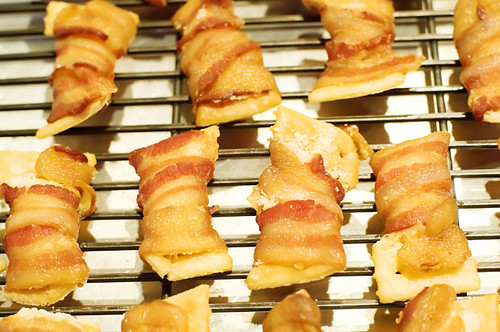 Holiday Bacon Appetizers - Bacon Bowties | Baconology.org