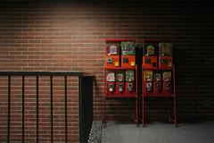(arnd Dewald) Tags: light shadow brick film set movie licht pommes handrail bochum schatten ruhrgebiet kaugummiautomat langendreer gumballmachine gelnder ruhrpott schwimmbad ziegel swimmingbaths arndalarm setphotgraphy img8841klein ostbad kleinewirtschaft