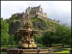 Ross Fountain and Edinburgh Castle 작성자 scottparker 91