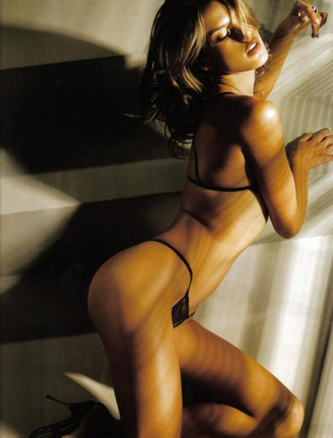 Lingerie underwear Alessandra Ambrosio black string bra thong panties