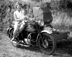 1961 Yvonne & Carl with Triumph Speedtwin & Sidecar with Pram-5nf620B-10 (Terry Hollis) Tags: triumph speedtwin sidecar child pram nz bw oldphoto oldphotograph newzealand aotearoa terryhollis blackwhitephotos