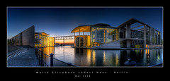 Marie-Elisabeth-Lders-Haus (d.r.i.p.) Tags: panorama berlin night reflections germany deutschland lights nikon nacht widescreen drip architektur bluehour mitte dri hdr hdri 18mm paullbehaus regierungsviertel spreebogen photomatix marieelisabethldershaus d80 hdrpanorama vertorama hdraward