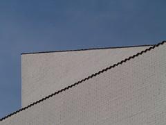 White'n'Blue (Kirsten M Lentoft) Tags: blue sky white building wall denmark helsingør loskolen youmademyday momse2600 mmmuuahhh kirstenmlentoft