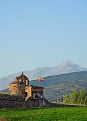 Ciudadela de Jaca (Jaca, Huesca, España). (paulaaiglesiaas) Tags: ciudadela jaca pirineos verano summer sun sol