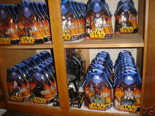 Many loose figures of Star Wars, some vintage vehicles, Comic-Book Girl