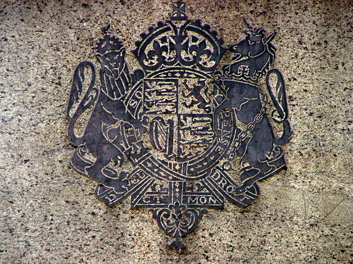 ChennaiPhotowalk 059 - King George V - coat of arms.