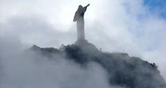 Cristo Redentor (Rodrigo_Soldon) Tags: world new brazil cloud mountain rio statue brasil del de landscape do rj janeiro christ sete 7 brasilien du paisagem corcovado cerro seven cr