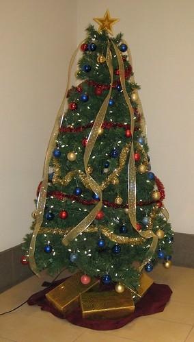 Artificial Christmas Tree - Make your life easier