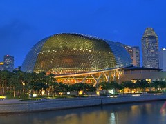 Singapore - The Esplanade (yushimoto_02 [christian]) Tags: architecture canon geotagged arquitectura singapore theater nightshot esplanade durian architektur singapur hdr singapura nachtaufnahme architectura theunforgettablepictures thelioncity