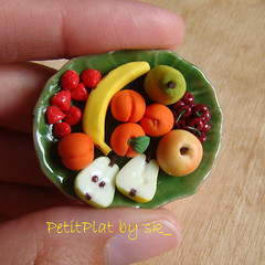 Miniature Food Fruit Plate (PetitPlat - Stephanie Kilgast) Tags: food apple fruit miniature handmade collectible 112 dollhouse pomme poire fakefood pera abricot petiteblythe miniaturefood oneinchscale banae petitplat minimakersteam