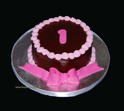 Pink and brown smash cake