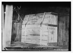 Dynamite box at Indianapolis, (Jones Barn)  (LOC) (The Library of Congress) Tags: hinge wood bw barn stencil box cincinnati indianapolis libraryofcongress dynamite crate flap bois boite 1911 bote woodenbox valleygem xmlns:dc=httppurlorgdcelements11 dc:identifier=httphdllocgovlocpnpggbain09156 pianobox jonesbarn flaphinge