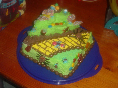 Bug garden cake