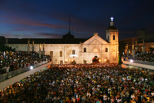 2241583232_961541323e - Basilica Minor del Santo Nino de Cebu - Philippine Photo Gallery