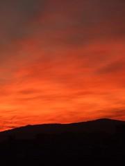 Amanece en Gijón (II) (Caliaetu) Tags: city morning red sky españa orange cloud landscape rouge dawn spain rojo nuvola fuji village view alba gijón ciudad asturias paisaje amanecer ciel cielo finepix villa fujifilm nuage paysage rosso naranja arancio nube ville città aurore mattino aube asturies xixón northofspain sooc s6500 nuées s6000 nortedeespaña finepixs6500 caliaetu finepixs6000 fernandotorrealonso