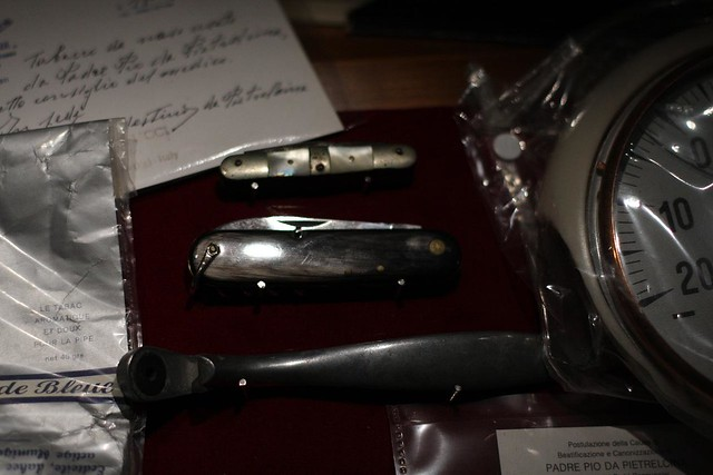 padre pio's pocketknives