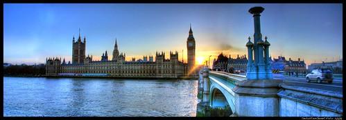 Parliament Bridge.HDR Panoramic